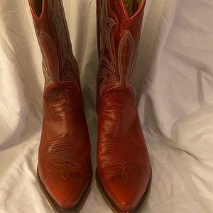 Gorgeous Red cowhide cowboy boots